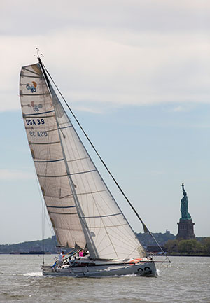 PLEIAD RACING On the wind in front of Liberty